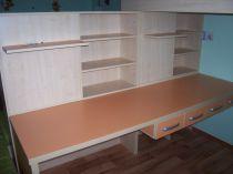 psací stůl s úlžným prostorem-lamino-Jablonec n.N.