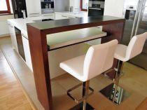 dýhovaný pult -italská barová židle